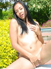 Ana Sofia is one hot babe masturbating out in the sun