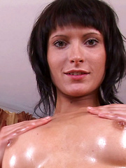 Milla Reaches a Nice Long Orgasm