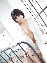 Gorgeous Japanese babe Ayane
