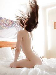 Teenage beauty masturbating in the morning