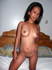 Lovely young Filipina gets naked for foreign guy on vacation