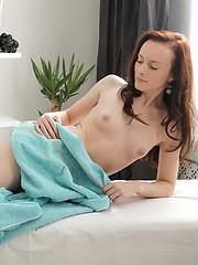 Sexy beauty gets an extra massage service
