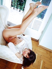 Young and beautiful, Zelda is gifted with a magnificent breasts, sexy legs and the talent to tempt and arouse with sensual and erotic poses.