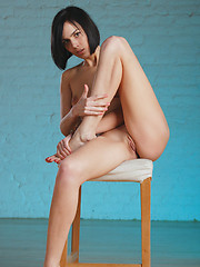 Russian brunette Macy shows her nude body