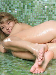 Paloma is one of the top models, have a firm spankable ass all wet from the shower and perky eyes that see you.