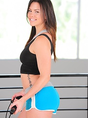 Marissa Walker shows you how she got that tight hot body of hers