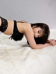 Shiina Mizuho in sexy stockings, high heels and lingerie