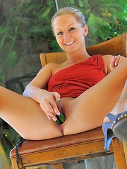 Melissa fisting her tight hole