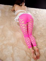 Maeshiro Shizuka posing in pink pantyhose
