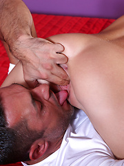 Raven haired hottie Jesscia Swan gives her man a taste of her sweet bald pussy and then fucks him until they are both screaming