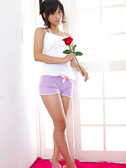 Yuzuki Hashimoto Asian in shorts is so sexy that gets roses
