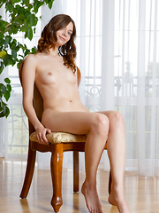In a variety of explicit poses, Kei A's natural beauty and gorgeous body stands out, especially her perfectly round butt and elegantly long legs.