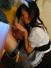Mai Mizusawa enjoys in having hot threesome