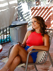 Presley Hart is house sitting her friends parent house