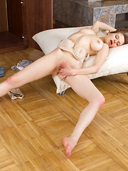 Horny first timer makes herself cum hard by cramming her fingers deep inside