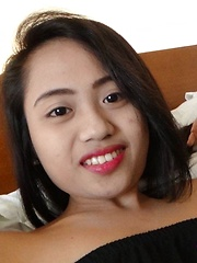 Young cock-loving Filipina student makes wild sex video